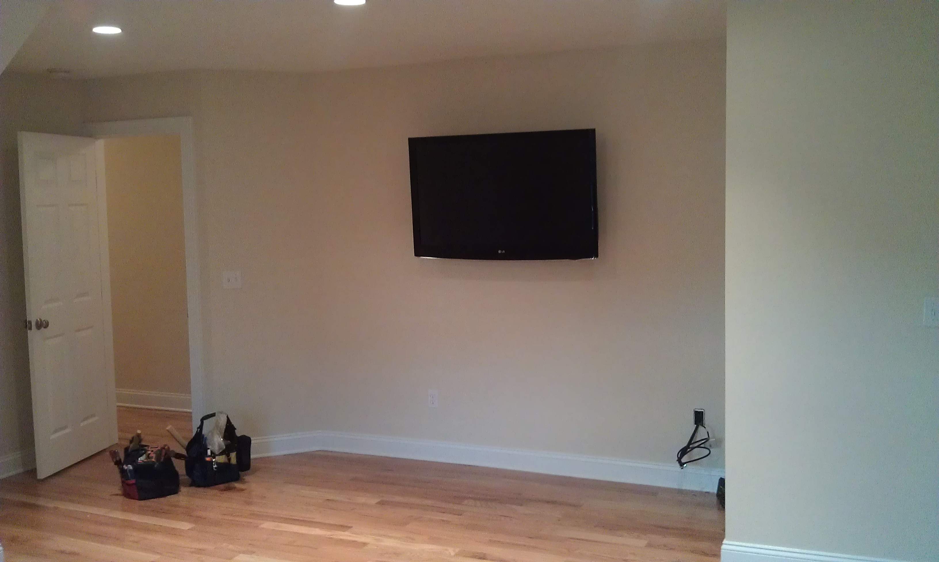 Fairfield CT mount tv on wall | Home Theater Installation