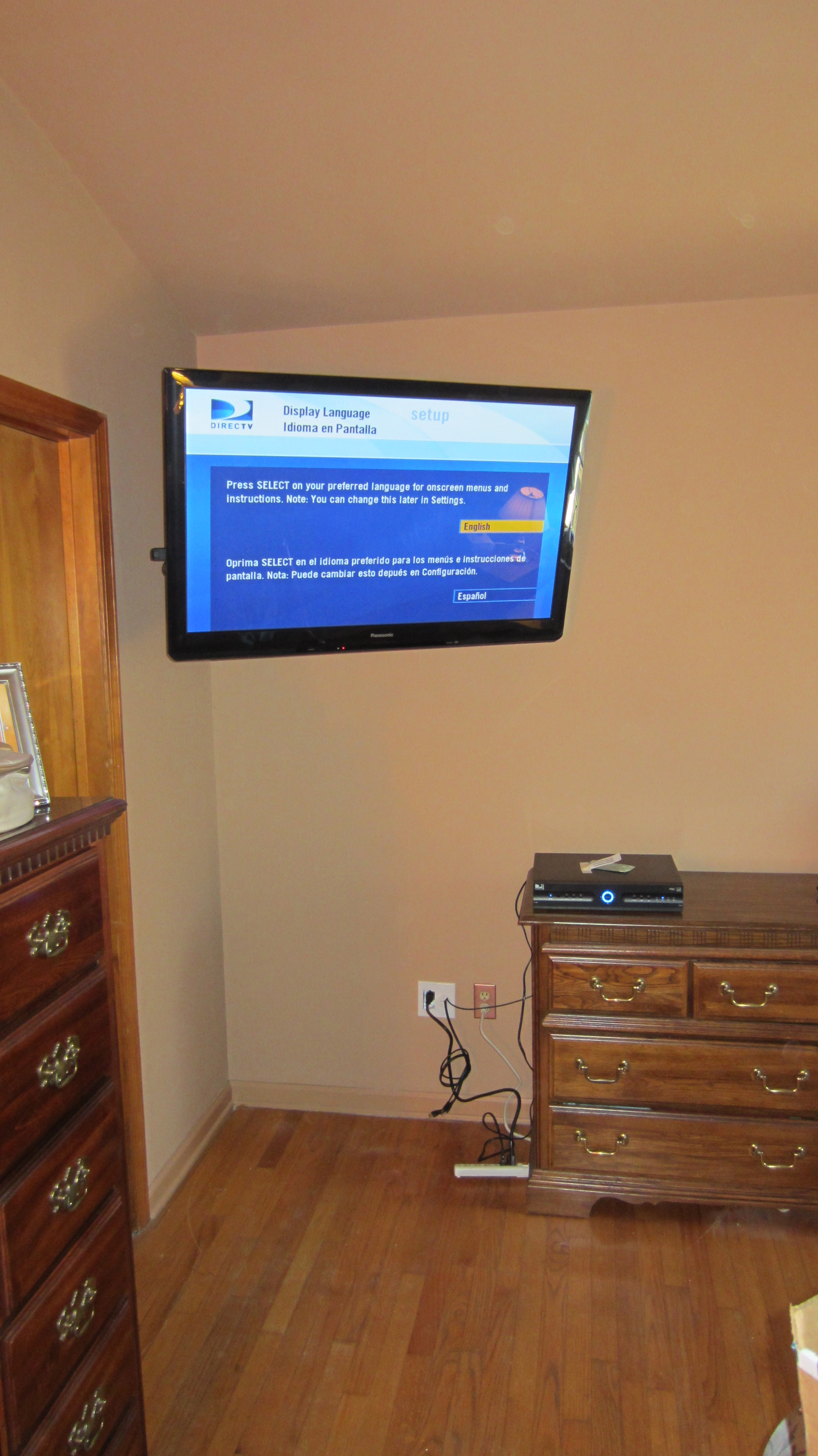 fairfield-ct-led-tv-mounting-on-wall-in-bedroom-with-wires-concealed-1