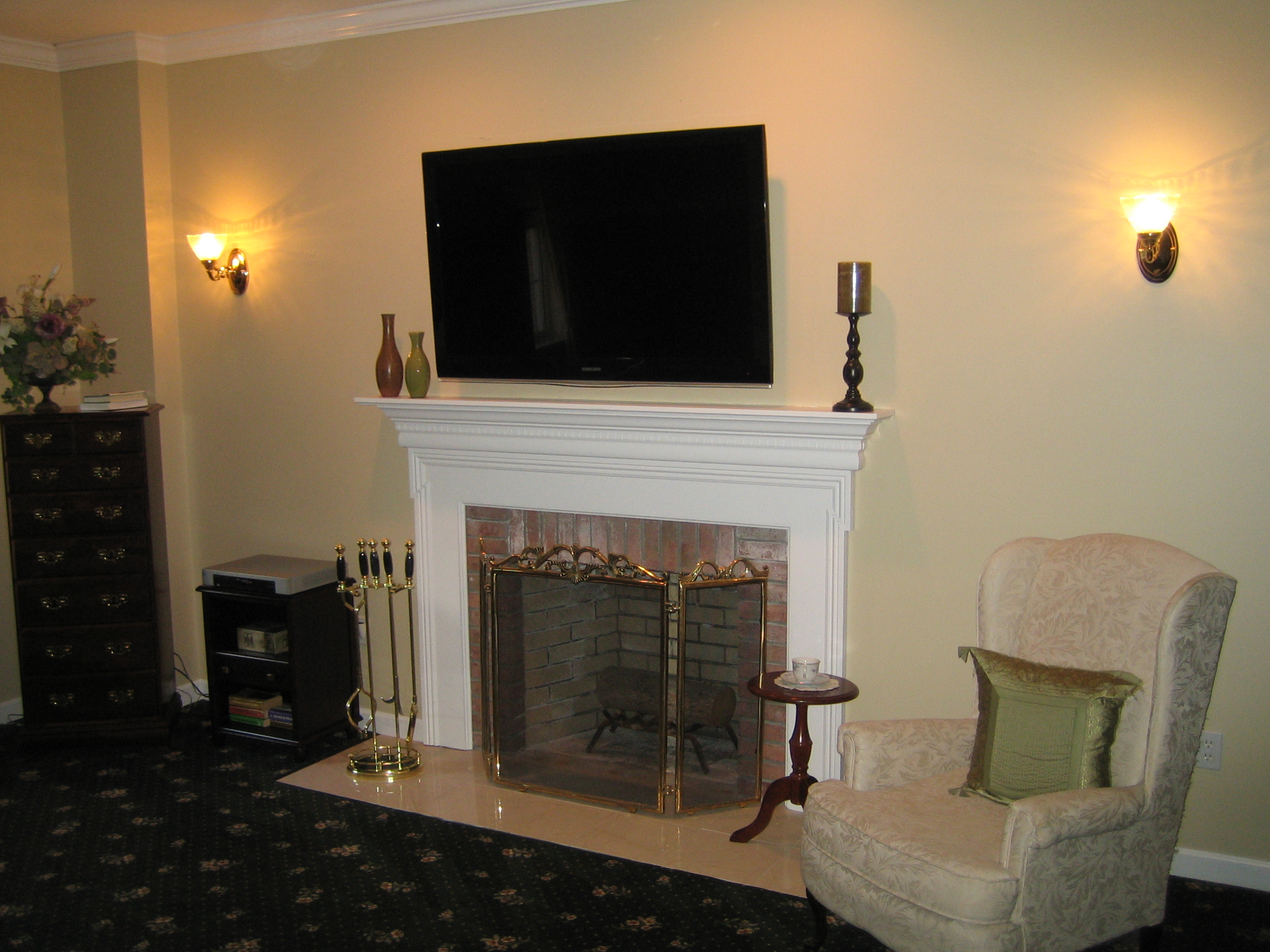 Clinton CT – TV Install above fireplace in wall wire