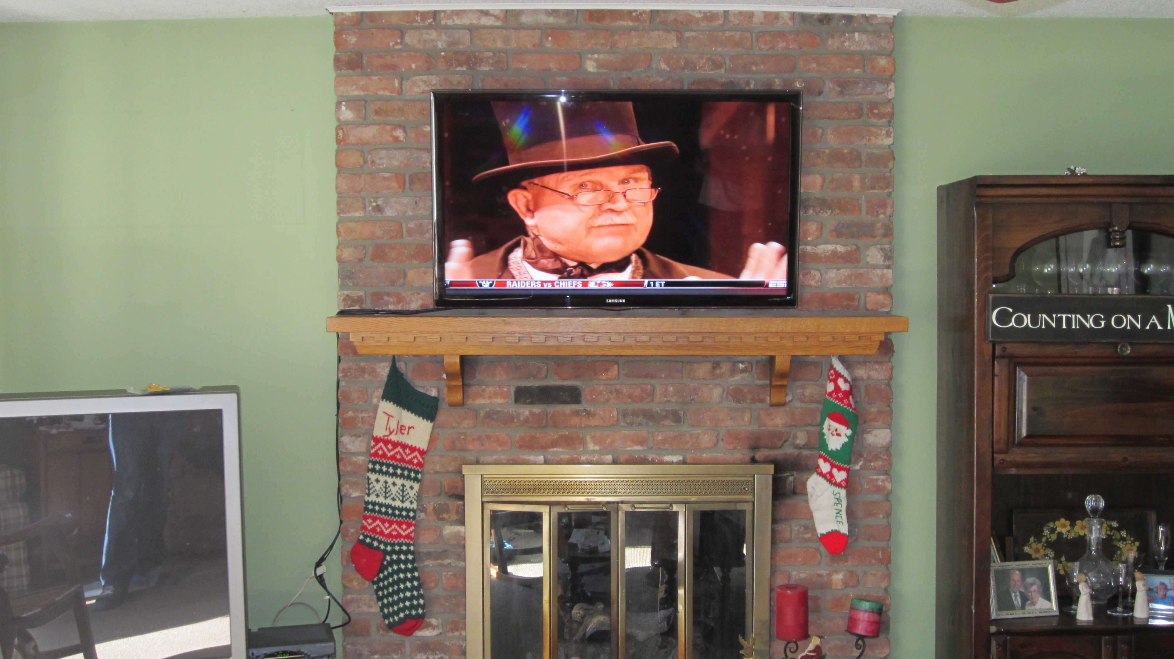 Milford Ct Mount Tv On Wall Home Theater Installation