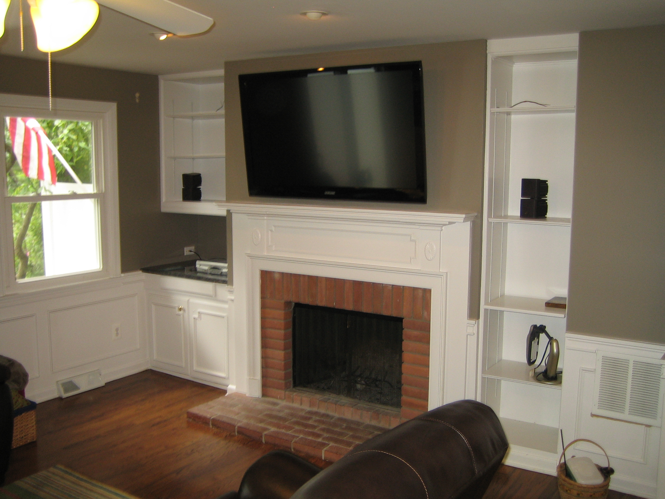 Woodbridge Ct Tv Mounted Over Fireplace All Wires Hidden